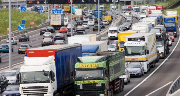 تم تصوير الطريق السريع البريطاني M25 في صورة الملف هذه.