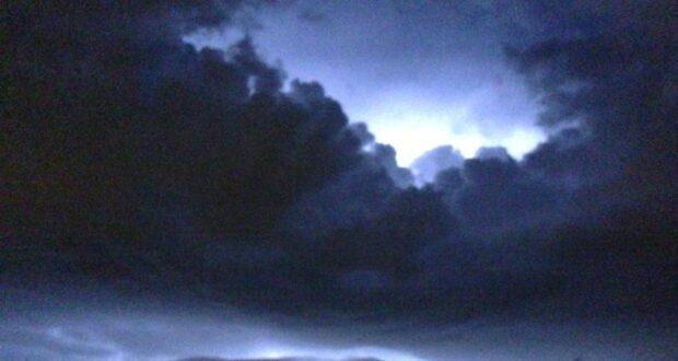 أصدرت وزارة البيئة الكندية مراقبة شديدة للعواصف الرعدية للعديد من المجتمعات في الشمال الشرقي ، بما في ذلك Sudbury و North Bay و Timmins.