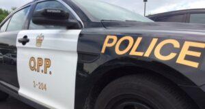 صورة لسيارة شرطة مقاطعة أونتاريو بعد توجيه اتهام لامرأة بالاعتداء الجنسي