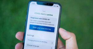صورة تطبيق COVID Alert على جهاز iPhone في أوتاوا