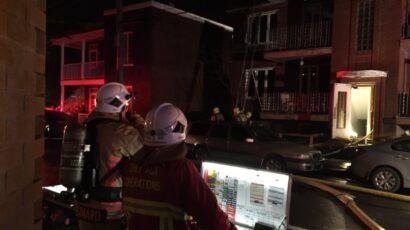 قام رجال الإطفاء بمدينة كيبيك بإخماد حريق أدى إلى خروج عشرات الأشخاص من منازلهم الى الشارع في 15 أكتوبر / تشرين الأول 2020