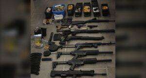 صورة لأسلحة مصادرة على أثرها خصصت كيبيك 65 مليون $ لمكافحة زيادة العنف المسلح المرتبط بالجريمة المنظمة