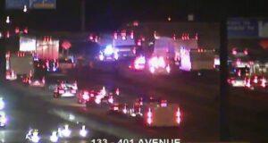 صورة لالطريق السريع 401 في أعقاب مقتل عشريني على الطريق السريع 401 بعد حادث تصادم محتمل مع شاحنة