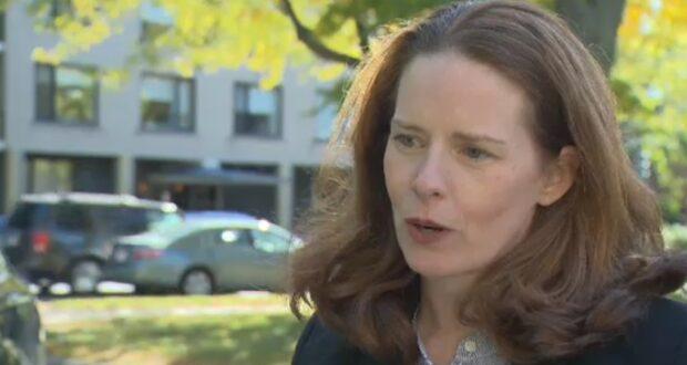 صورة لعمدة ويست ماونت حيث نالت كريستينا سميث منصب عمدة ويستماونت في أبريل 2017 ونتيجة اختبار