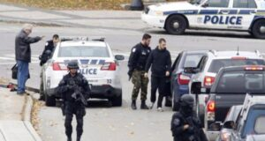 صورة لشرطة كيبيك في نقاط التفتيش