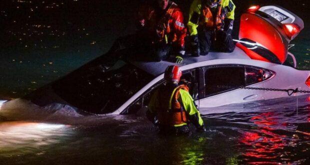 صورة من موقع حادث غرق السيارة حيث تم العثور على رجل ميتا داخل سيارة غارقة في نهر سانت لورانس