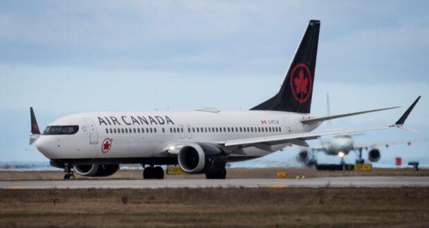 صورة لطائرة بوينج تابعة لطيران كندا حيث تم حظر طائرات بوينج في الوقت الحالي مستمر في كندا، رغم رفعها في الولايات المتحدة