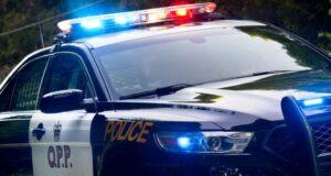 صورة لسيارة من شرطة اونتاريو حيث تم مقتل شخص في تحطم على الطريق السريع 17 شرق أوتاوا