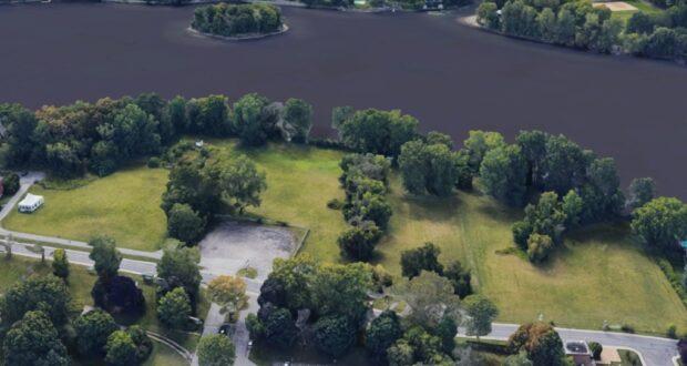 صورة لقطعة الأرض التي تم شراؤها من قبل مدينةمدينة لافال تشتري قطعة أرض كبيرة لإنشاء حديقة حضرية لافال حيث