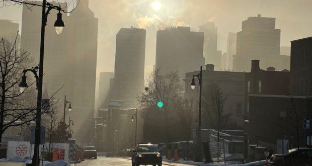 استيقظ سكان مونتريال صباح الجمعة على تحذير من الضباب الدخاني.