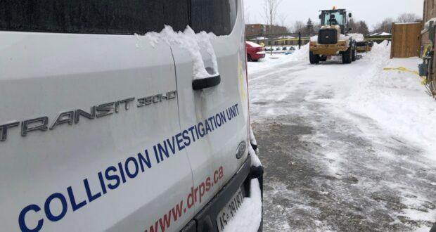 صورة لوقع الحادث بجانب المدرسة حيث تمت أصابة طفلان في حادثة بسبب كاسحة الجليد في مدرسة ويتبي في أونتاريو