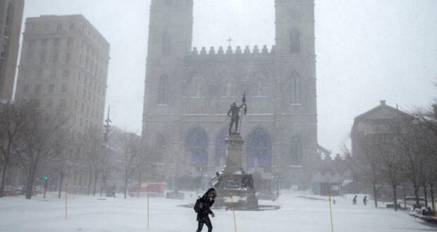 صورة لعاصفة ثلجية في مونتريال، حيث عاصفة ثلجية تضرب مدينة مونتريال وأرجائها يوم الثلاثاء
