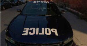 صورة لسيارة شرطة مونتريال ، حيث مصرع شخص وآخر في المستشفى في حادثيين منفصلين لاطلاق نار شمال مونتريال