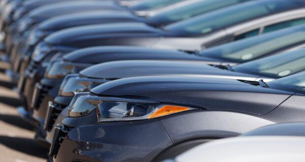 صورة للسيارات حيث وتقول الشرطة في منطقة تورنتو إنه تم إلقاء القبض على 16 شخصا فيما يتصل بحلقة من عمليات الاحتيال المتعلقة بتمويل المركبات ، حيث الشرطة ألقت القبض على 16 شخصًا لاحتيالهم في مجال السيارات بمبالغ طائلة