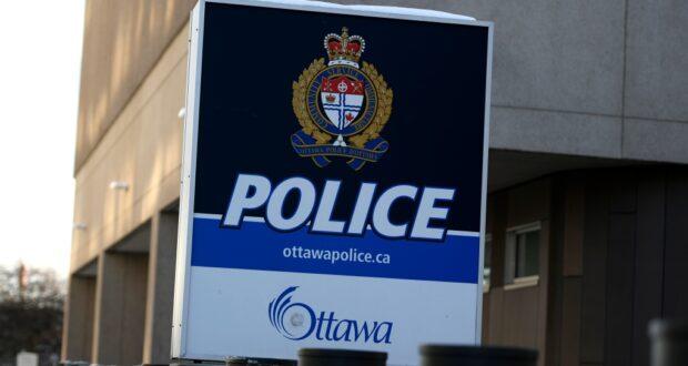 صورة لمركز شرطة أوتاوا في شارع إلجين في أوتاوا ، يوم الاثنين ، 1 فبراير 2021.حيث رجل من اوتاوا متهم بالاعتداء الجنسي في الذي وقع في تيم هورتنز