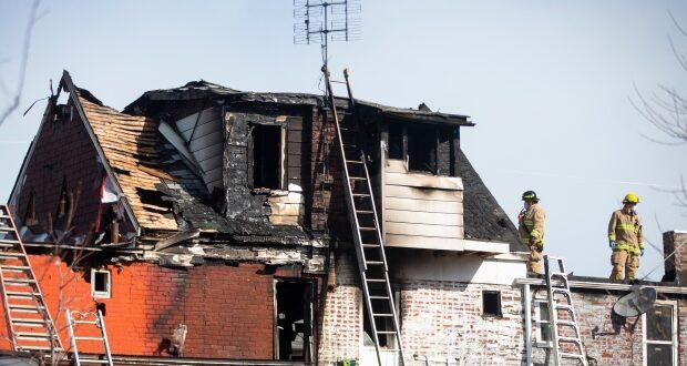 صورة للمنزل المحترق على تسبب في مقتل أخوين، حيثمقتل أخوين على أثر حريق في منزل في أوشاوا في أونتاريو