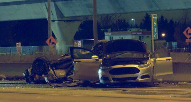 صورة لمقتل فتاة تبلغ من العمر 15 عامًا وأصيب عدة أشخاص بعد حادث تحطم عدة سيارات على الطريق السريع 40 يوم السبت 20 مارس 2021.قتل فتاة تبلغ من العمر 15 عامًا في حادث تحطم على الطريق السريع 40 في مونتريال