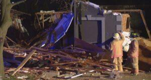 صورة انفجار منزل على جبل هاميلتون الغربي ليلة الجمعةولم ترد أنباء عن وقوع اصابات عقب الانفجار حيث .مكتب خبراء الحرائق تحقق بعد انفجار منزل في هاميلتون