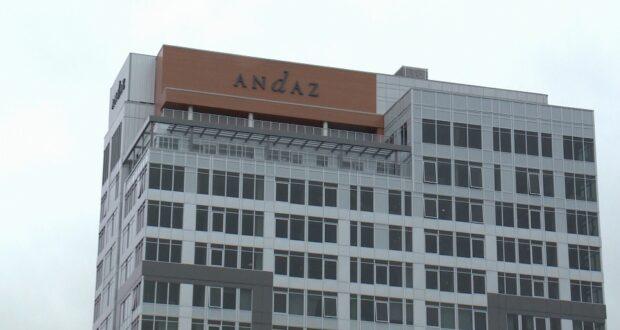 صورة لفندق Andaz في سوق ByWard في أوتاوا.سيجارة هي السبب في حريق فوق فندق أنداز في أوتاوا يوم الثلاثاء