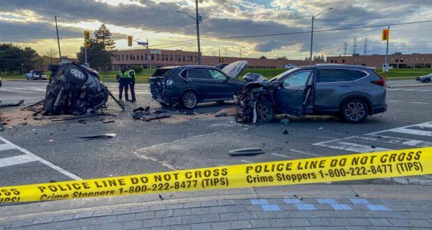 صورة لتصوير حادث تصادم متعدد المركبات في طريق ويستون وستيلز أفينيو ويست يوم الاثنين 10 مايو 2021.شخصان في المستشفى بعد اصطدام عدة مركبات في شمال يورك